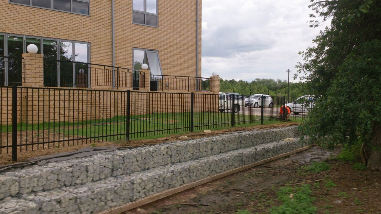 CHP – Chelmsford – April 2015 Gabions and Fencing